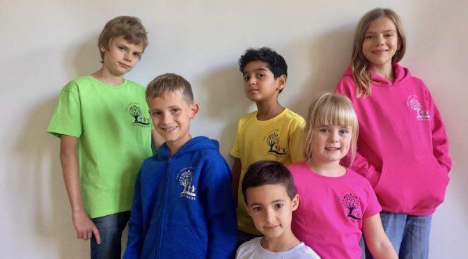 Die neuen Schul-T-Shirts, Hoodies und Jacken können weiterhin bestellt werden!!!